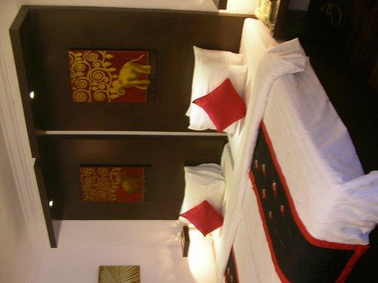 Memoire d' Angkor Boutique Hotel : 広くて過ごしやすかった。夜にはビールのおつまみも届けてくれてよかった。