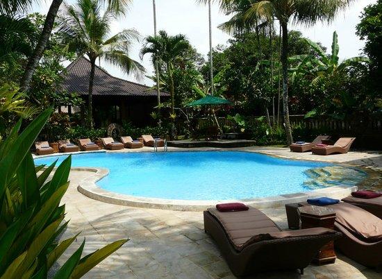 Saren Indah Hotel: Very nice pool of the hotel