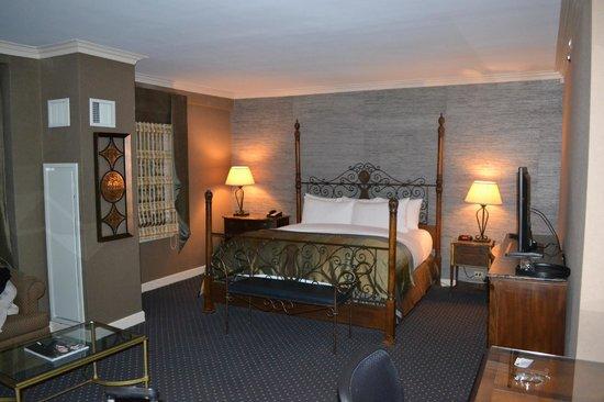 The Whitehall Hotel : Cama super confortável