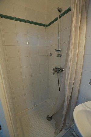 Logis Val Flores : Ванная комната // Bathroom