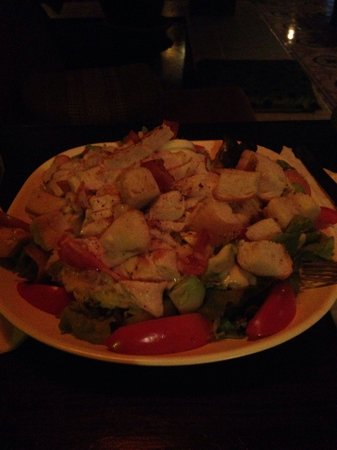 Crave Restaurant & Lounge: Cesar salad