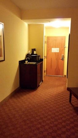Comfort Suites Suffolk-Chesapeake : Coffee Station