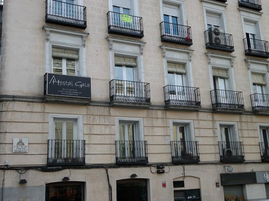 Hostal Gala: Fachada Plaza Sto Domingo