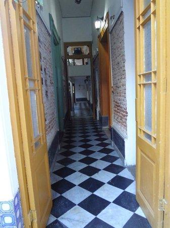 El Viajero Downtown Montevideo: One of it's corridor.