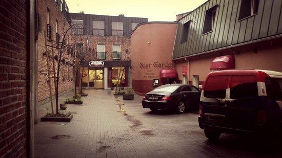 Hotel Bern: вид с улицы