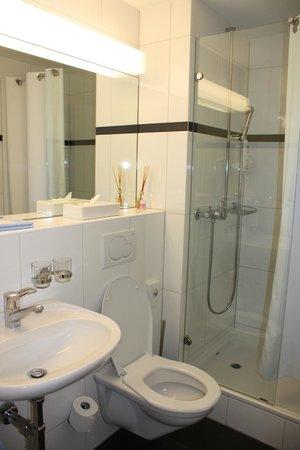 Hotel St. Josef: Ванная комната