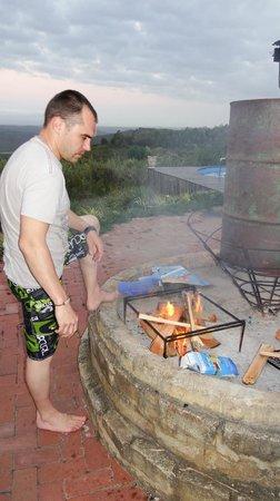Protea Wilds Retreat : Preparing dinner