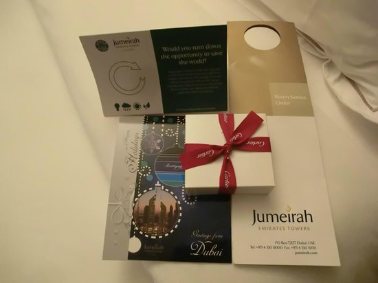 Jumeirah Emirates Towers: Welcome Gift. Cartier's chocolate !!
