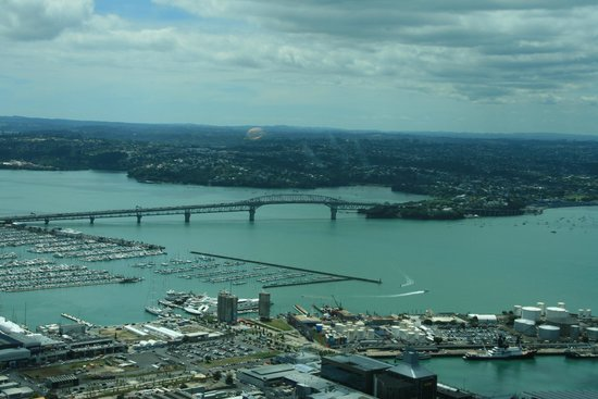 Crowne Plaza Auckland: ANZAC Bridge and Harbour from the Sky Tower