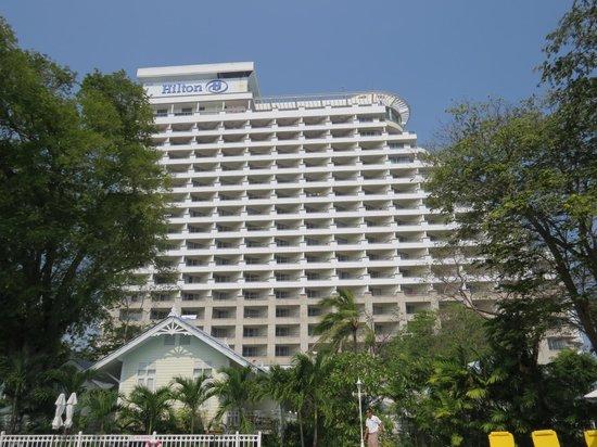 Centara Grand Beach Resort & Villas Hua Hin: This is the Hilton hotel that overlooks some of the villas - BEWARE!