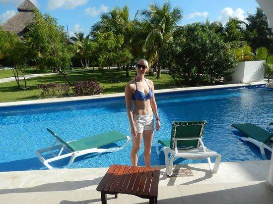 Swim up room picture of el dorado royale by karisma for El dorado cabins