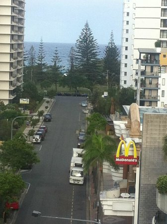 Phoenician Resort - Broadbeach : view of beach