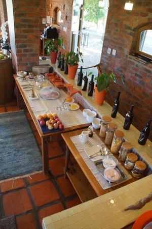 Lovane Boutique Wine Estate and Guest House: Frühstücksbuffet