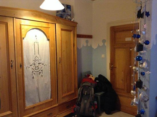 Gaestehaus Liebler: inside of room