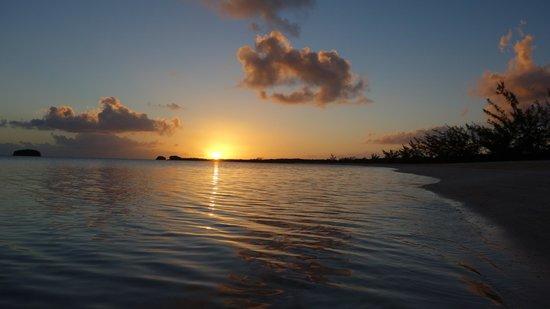 Chez Pierre Bahamas: Sunset before dinner