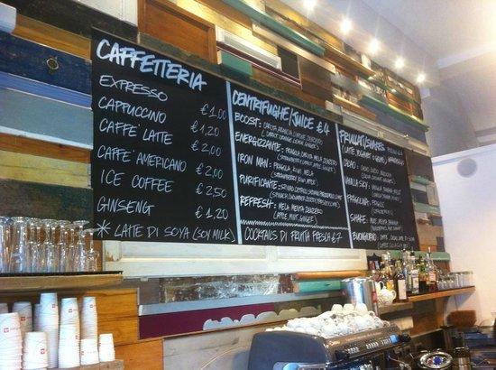 Shake Cafe: Lavagna dei prezzi