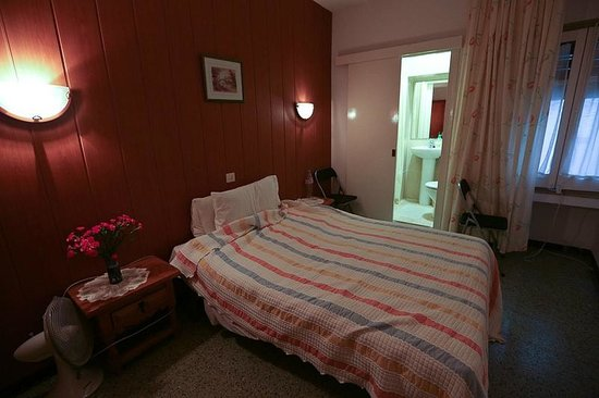 Hotel Maria Rosa : Двухместный номер на 1 этаже // Double room 1st floor