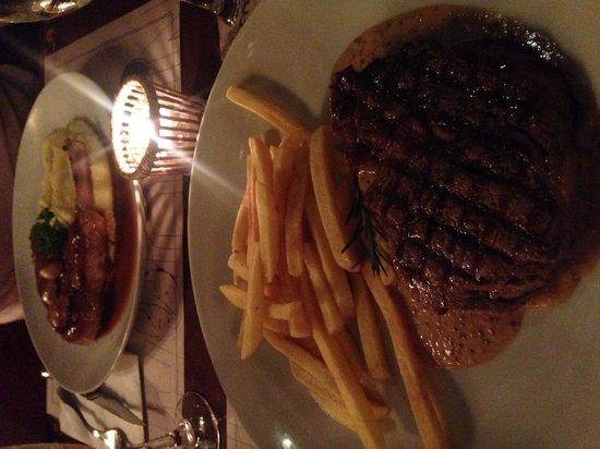 Bistrot De Paris : Entrecote com molho de dijon e batatas fritas