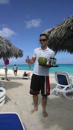 Melia Cayo Santa Maria: Osvaldo the service guy at the beach