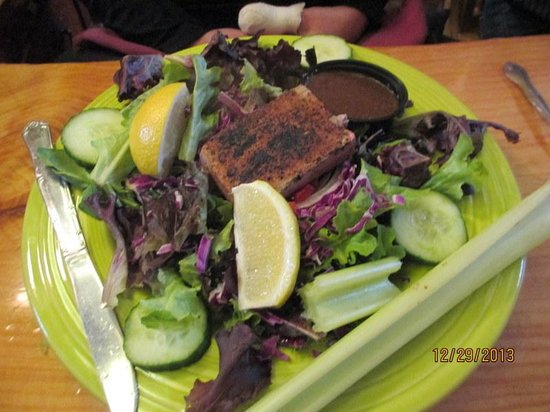 Woodstock Inn Station & Brewery : Salad with Fresh Tuna