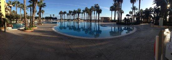 Hilton Malta: Pool Area (Dec/Jan)