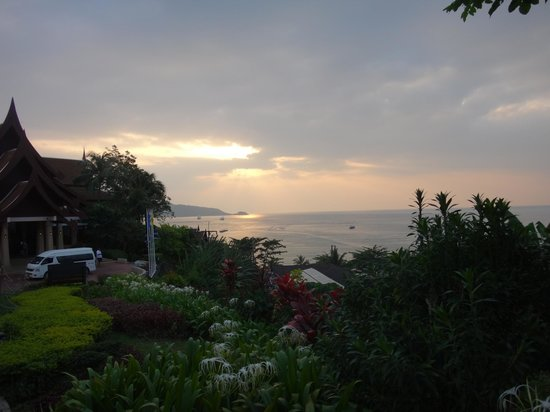 Novotel Phuket Resort: SUNSET