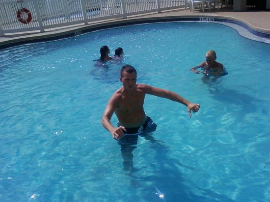 Country Inn & Suites By Carlson, Port Canaveral : The pool