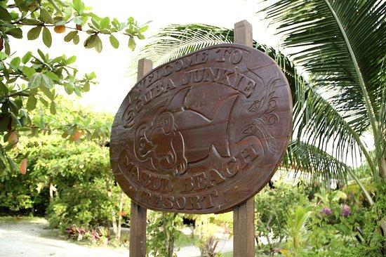 Scuba Junkie Mabul Beach Resort : Welcome sign