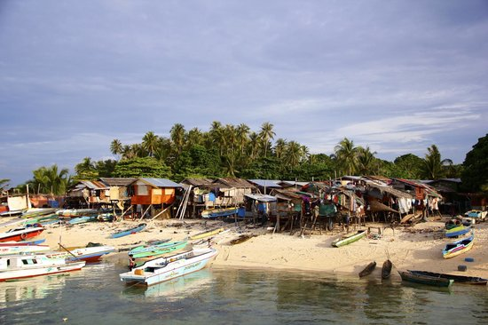 Scuba Junkie Mabul Beach Resort: Island village