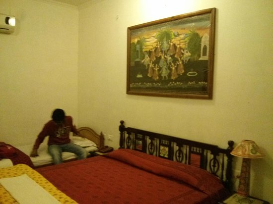 Rajasthan Palace Hotel: Room