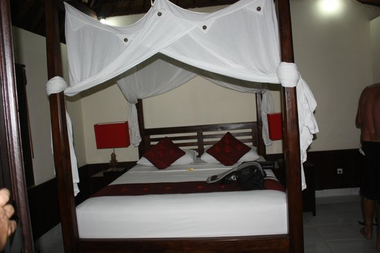 Sama's Cottages and Villas : Bedroom