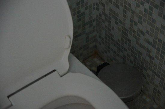 Le Fenix Sukhumvit : Badezimmer