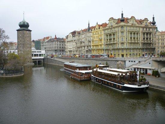 Botel Matylda: View from the bridge