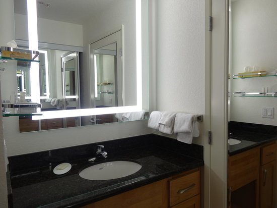 Residence Inn San Diego Del Mar: Wash Room
