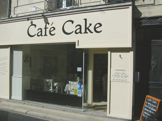 Cafe Cake : Easy to find and well signposted in Le Lude