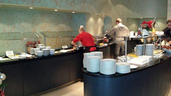 Vienna House Andel's Prague: Buffet della colazione