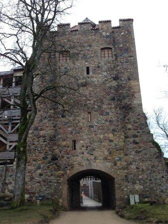 Old Sigulda Castle: Башня