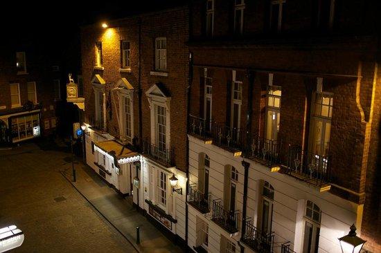 The White Hart at night