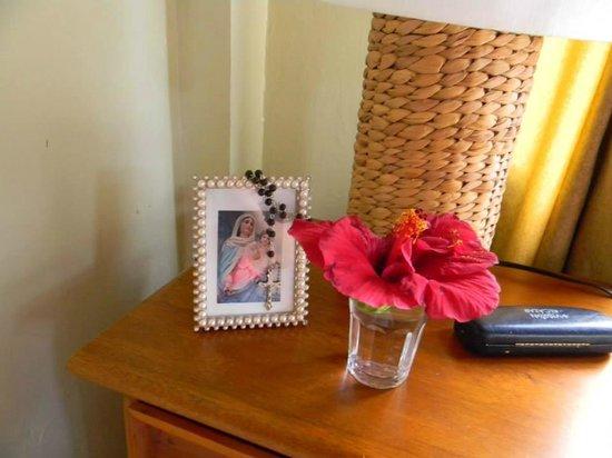 Hotel Fiesta: Flores a la Virgen del rosario de   San Nicolas