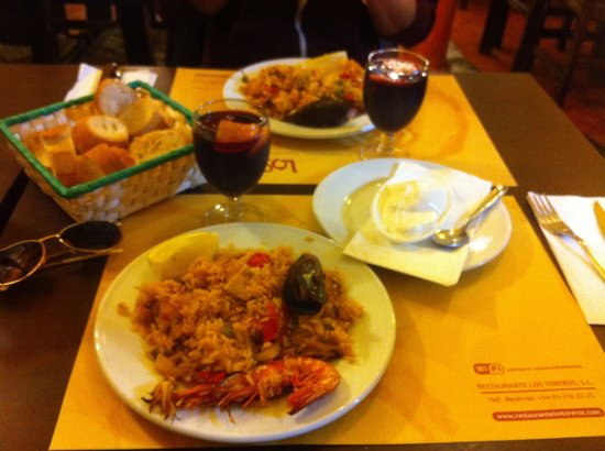 Los Toreros: Paella and Sangria