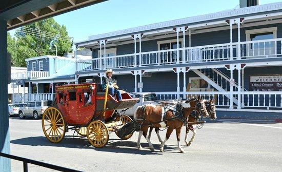 Miller Park Lodge: Town