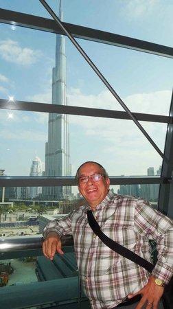 The Dubai Mall : LINDA VISTA DAS ESTEIRAS ROLANTES.