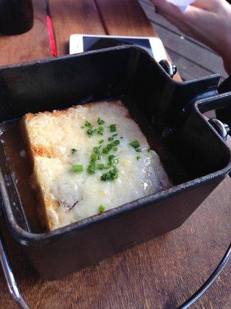 Bon Vivant: French Onion Soup
