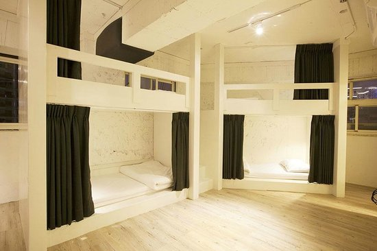 Family share room picture of mr lobster 39 s secret den for Design ximen hotel review
