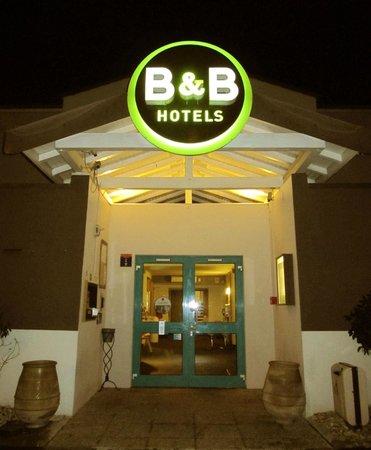 B&B Hôtel Aix-en-Provence Pont de L'Arc : Entrata del albergo