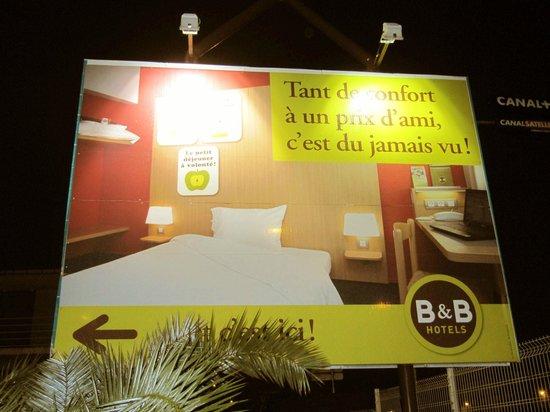 B&B Hôtel Aix-en-Provence Pont de L'Arc : Pubblicità-space