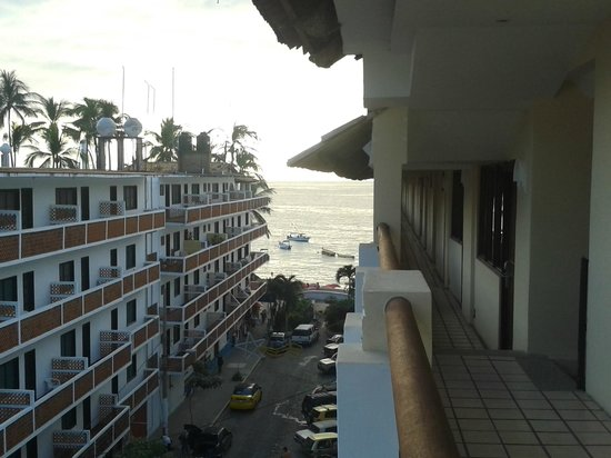 Playa Los Arcos Hotel Beach Resort & Spa: côté droit extérieur