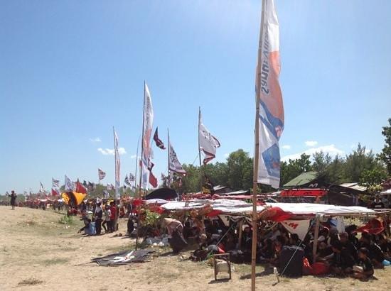 Sanur Beach: waiting to compete in kite festival