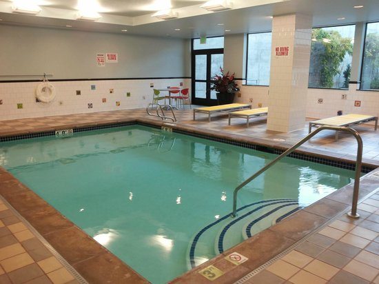 The Maxwell Hotel - A Piece of Pineapple Hospitality: Pool area