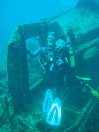 Centro de buceo Zero Gravity: Jack and Luis - Jacks 1st Wreck Dive - El Condesito